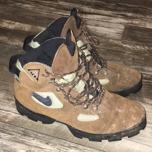 Nike Air Hiking Boots Size 10